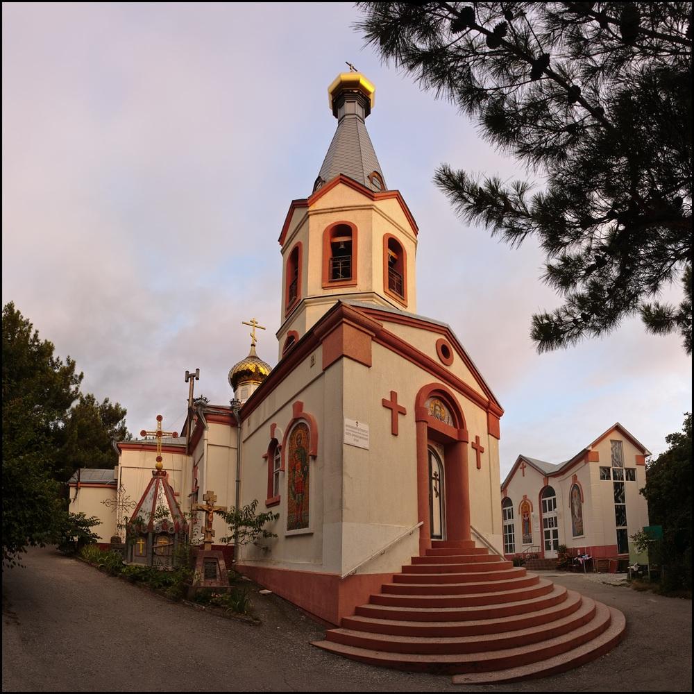 Свято-Преображенский храм в городе Геленджик