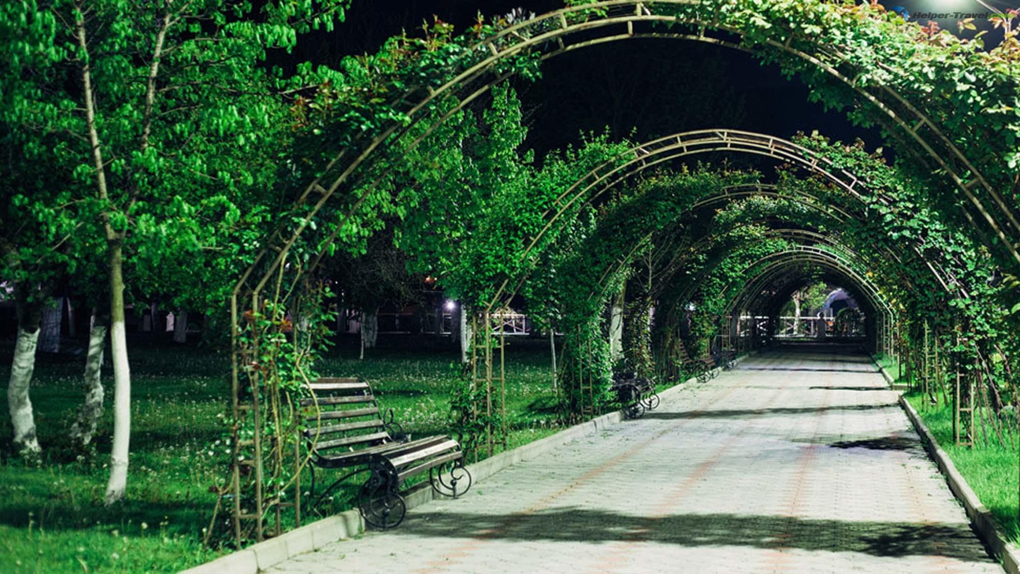 Городской парк в Абрау-Дюрсо