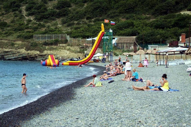 Пляж в поселке Дюрсо