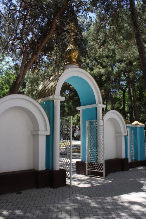 Храм Георгия Победоносца в Геленджике