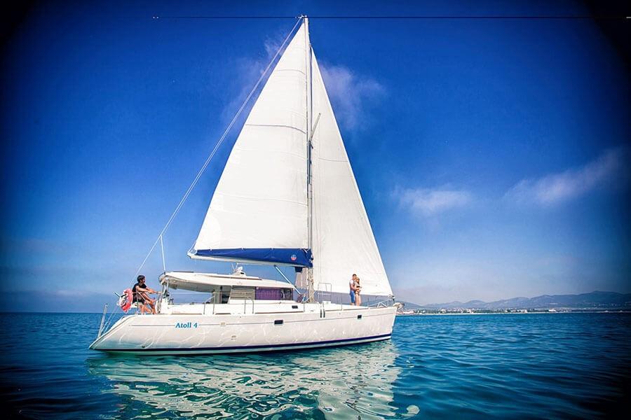 Яхта Атолл