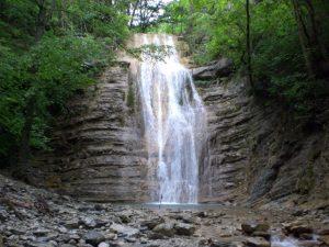 Водопад Большой Адегойский
