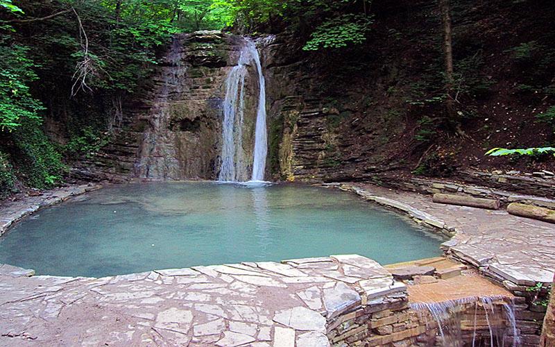 Хрустальный водопад в Геленджике